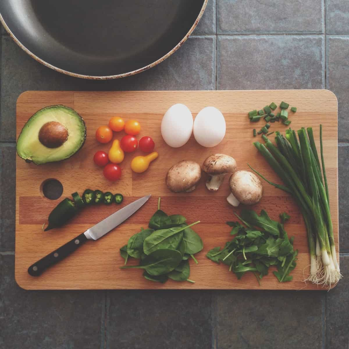 Three Reasons to Keep More Than One Chopping Board In Your Kitchen
